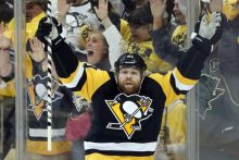 phil-kessel-nhl-stanley-cup-playoffs-washington-capitals-pittsburgh-penguins-768x514